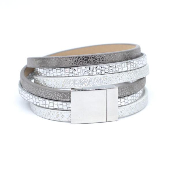Bransoletka w srebrnych kolorach z zapieciem magnetycznym