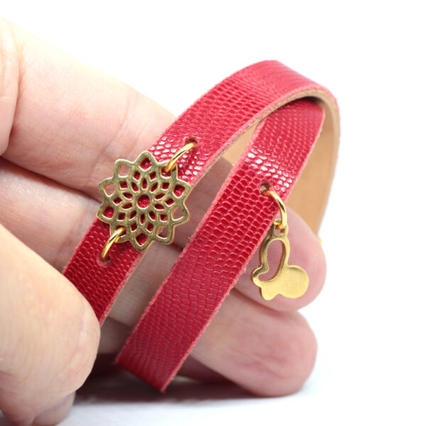 Bransoletka czerwona skórzana z rozetką