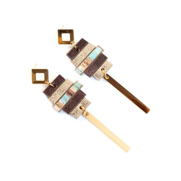 Długie-kolczyki-z-serii-Fun-w-kolorze-brazowo-zlotym-z-rzemieni-i-elementow-z-antyalergicznej-stali